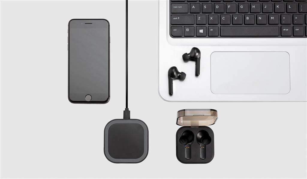 Tws Earbuds In Wireless Charging Case